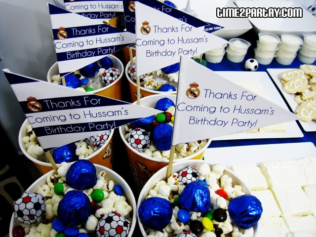 Favors time to partay real madrid soccer themed party real madrid pinterest real - Real madrid decorations ...