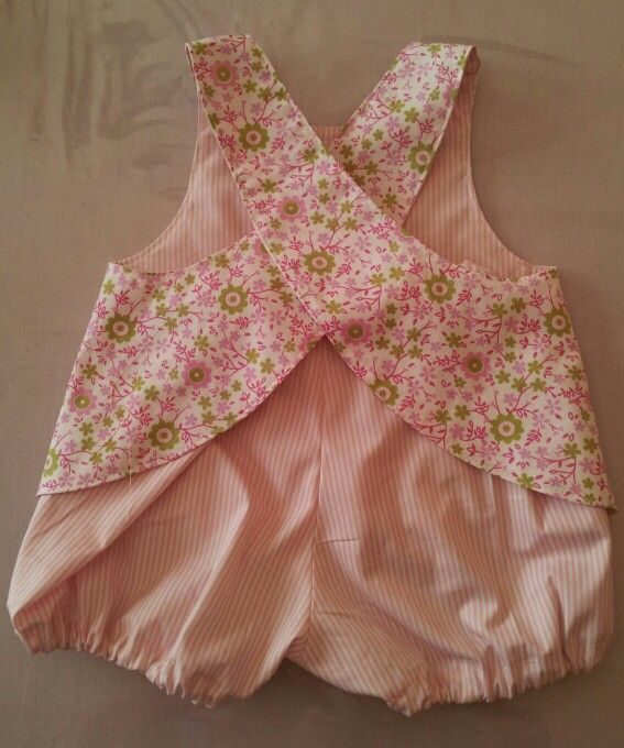 Robe tablier et bloomer dos ( les intemporels pour bébé )
