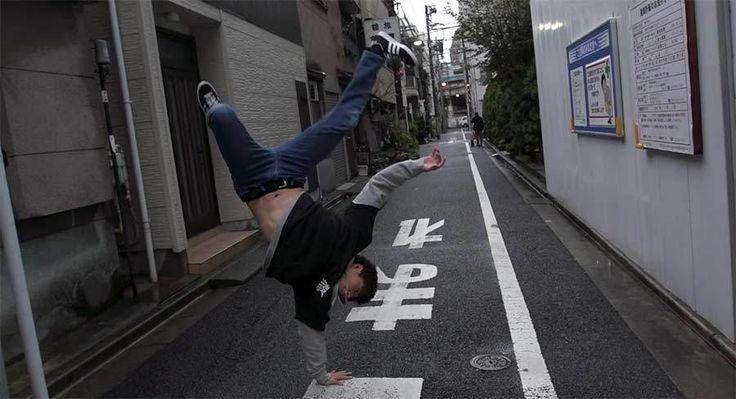 Zwei neue Breakdance-Weltrekorde: https://www.langweiledich.net/die-meisten-aufeinanderfolgenden-einhandspruenge/ .