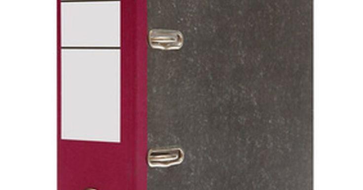 Como fazer etiquetas de arquivo no Word. Organizar a papelada e documentos em pastas pode ajudar a manter o espaço de trabalho arrumado, mas não é muito eficiente sem um sistema de rotulação para que os documentos possam ser localizados rapidamente. Use etiquetas de arquivo feitas no Word como parte do seu sistema de arquivamento e salve as etiquetas como um modelo para usar depois. ...