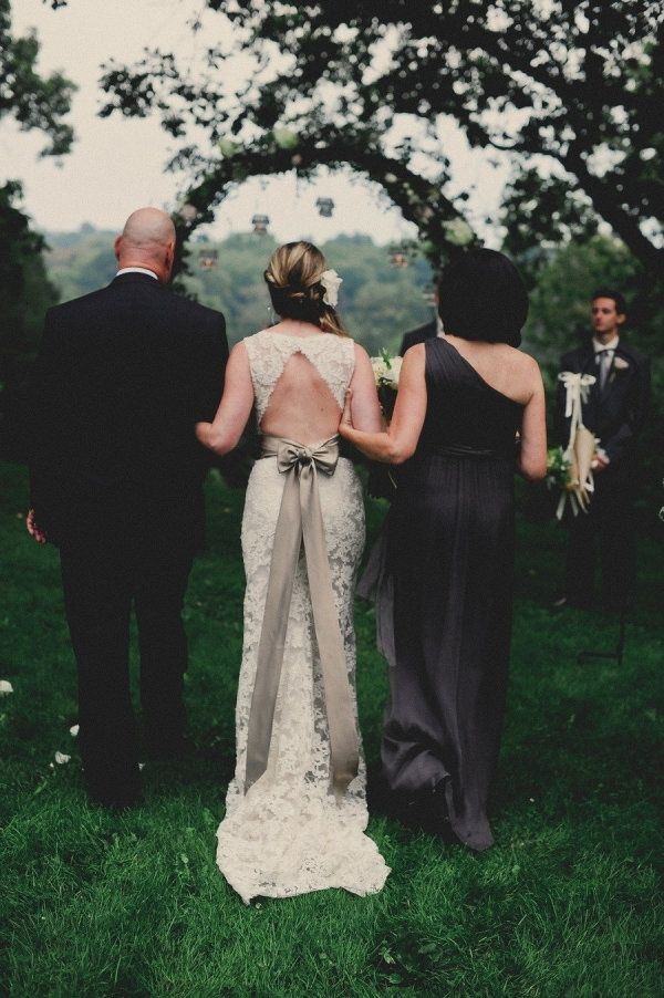 To bow or not to bow? Wedding Dresses that make a statement with the bow - Wedding Party