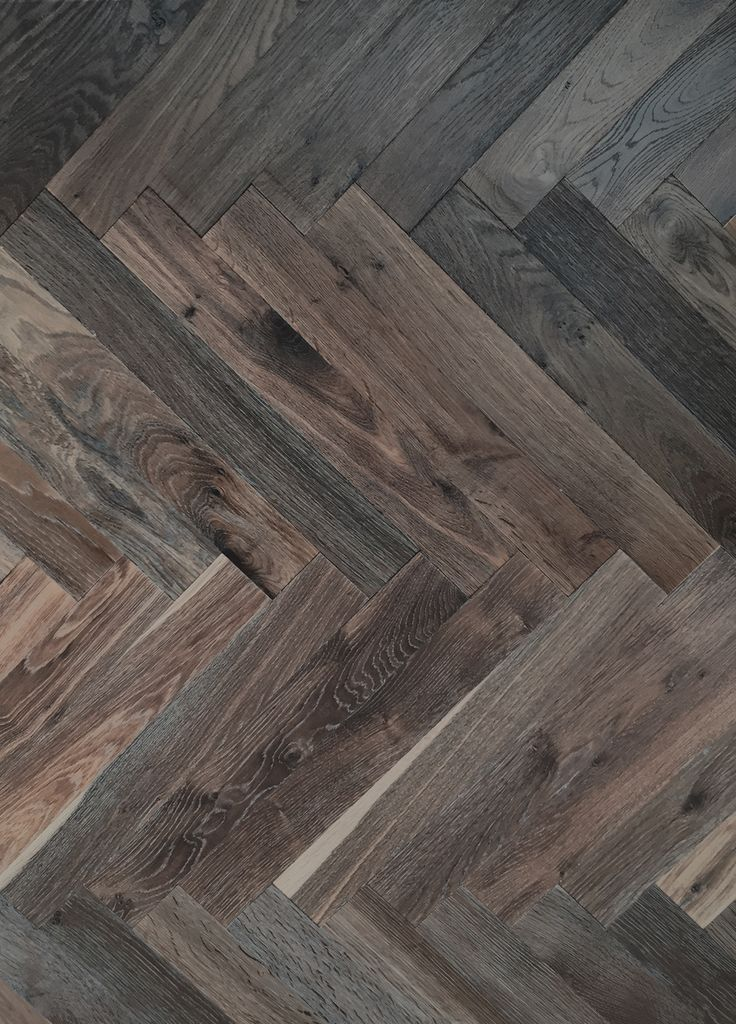 Solid wood parquet floor