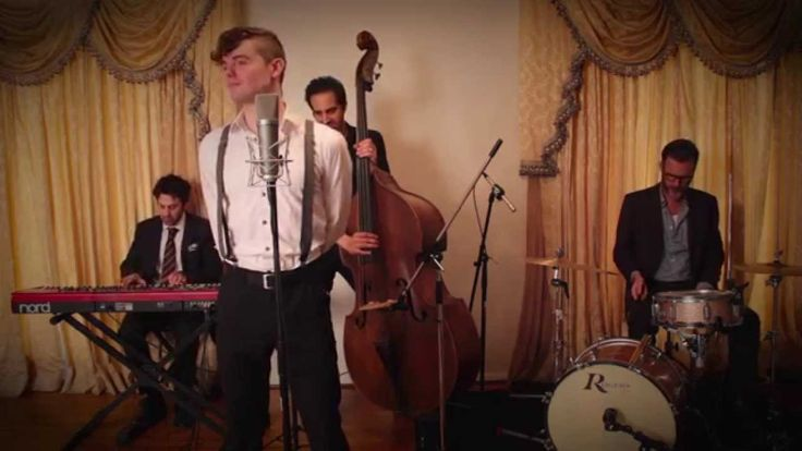 Titanium - Vintage 1940s Jazz Crooner - Style Sia / David Guetta Cover f...Von Smith https://www.youtube.com/watch?v=g3iL596QKII