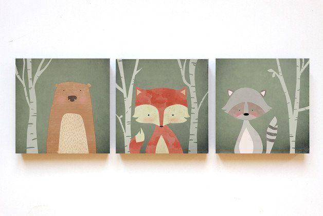 Motiv: süßer Waldtier-Print als Trio    Die Illustrationen sind auf helle MDF-Platten aufgezogen und haben auf der Rückseite jeweils eine kleine Bohrung als Aufhängemöglichkeit für die...