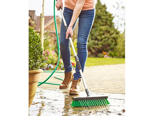 Water Jet Brush 💦 Now £20 Turn on hose for water jets and off you go! Clean the patio ready for the BBQ on the weekend! KLife Kleeneze