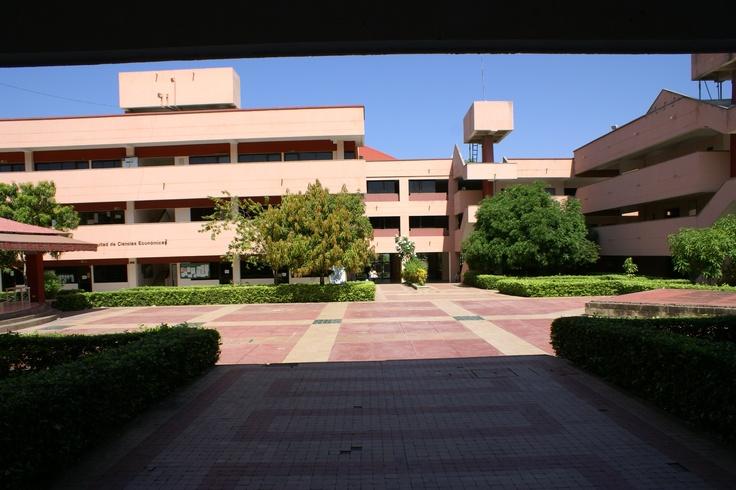 Universidad de Cartagena, Piedra de Bolívar