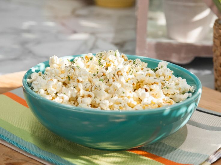Cheesy Ranch Popcorn Recipe : Katie Lee : Food Network - FoodNetwork.com from the new talk show The Kitchen. Great Super Bowl and family game night food!