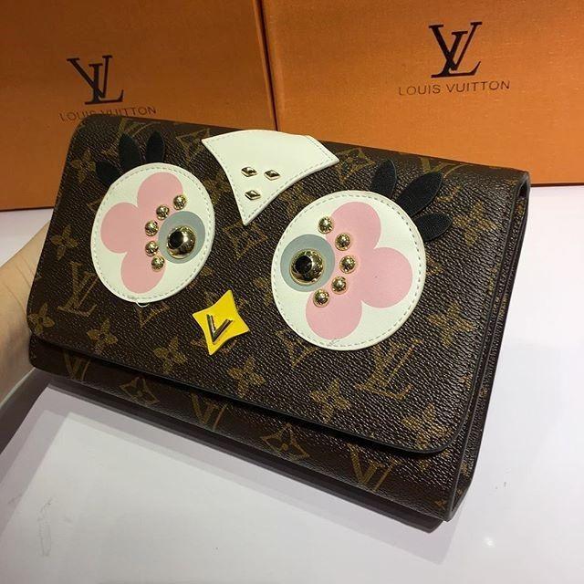 Lv Louis Vuitton Coklat Burung Hantu Mata Putih Pink Abu-Abu harga Rp 750000 #sepatuonlineoriginal #sepatuwanitatermurah