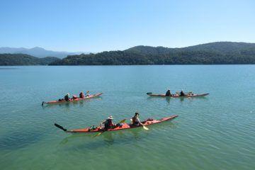 Kajak fahren an der Costa Verde, südlich von Rio de Janeiro. Ein unvergessliches Abenteuer! Hol dir jetzt dein Angebot http://beactivetours.com/reisen/kajaktour-brasilien/