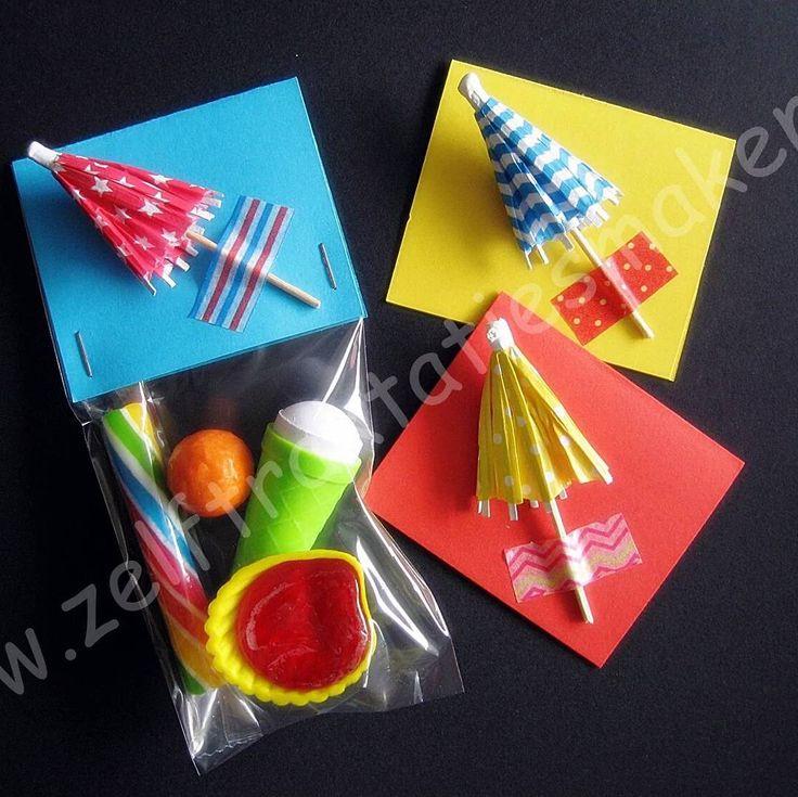 """Ga je naar de basisschool? Dan is deze """"aju paraplu"""" traktatie zeer toepasselijk! Op de achterkant is ruimte voor een sticker met de tekst... aju paraplu ik ga naar de basisschool..... #trakteren #uitdelen #traktaties #verjaardag #afscheid #basisschool #ajuparaplu #"""