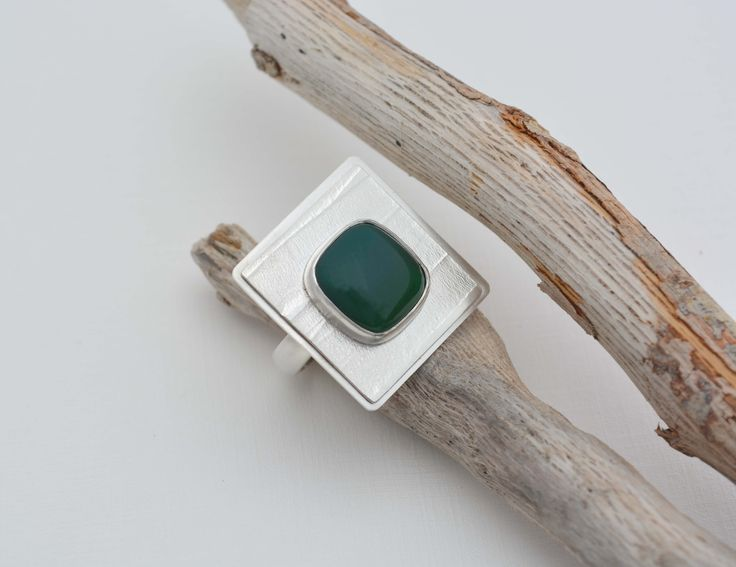 950 silver ring and green agatha