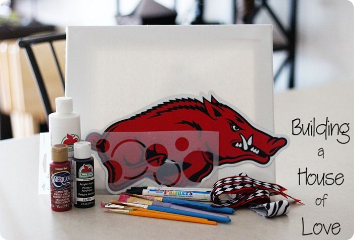 How to paint a razorback. @Beth Nativ Ownby, i'm pretty sure this may be a future canvas that i may ask you to make! Probably need this in my home.