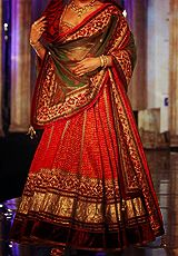 queenofsunspear-deactivated2014:  {Indian Couture} Part VIII | Tarun Tahiliani