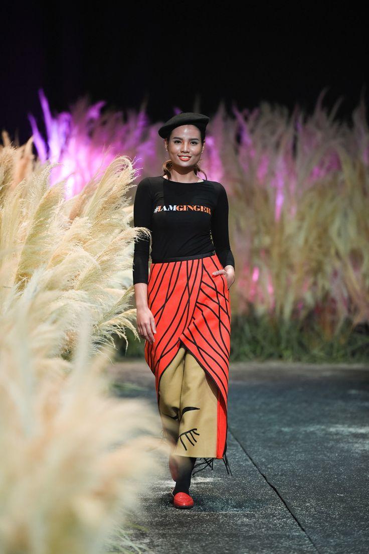 Vietnam Fashion Week FW17 - Ready To Wear.        Designer: Chula   Photo: Le Chi Linh