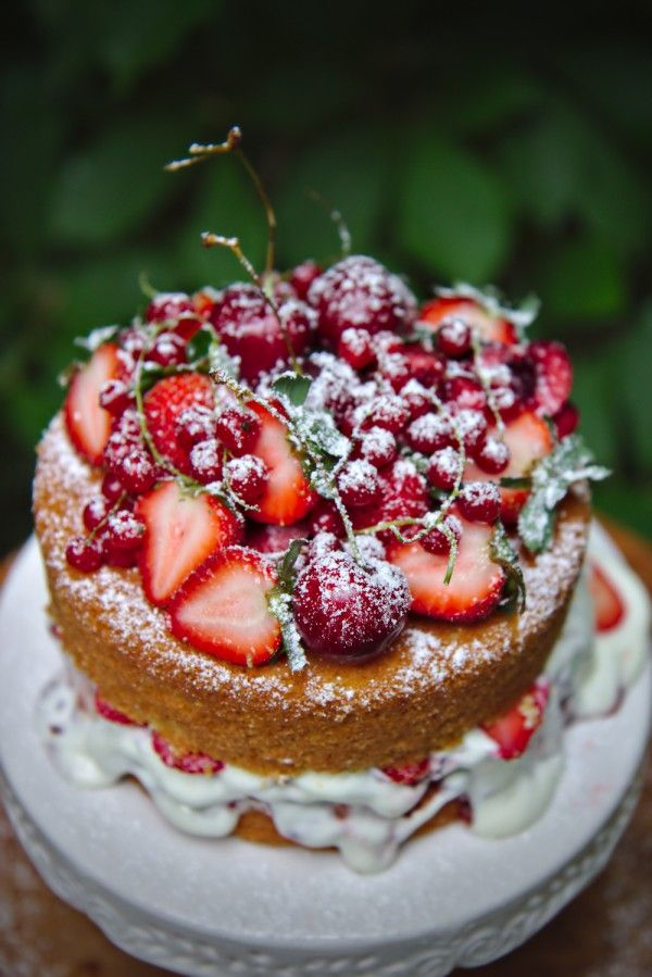 Victoria sponge cake: a classic for a proper English tea. Layers of fluffy sponge, filled with jam and whipped cream.