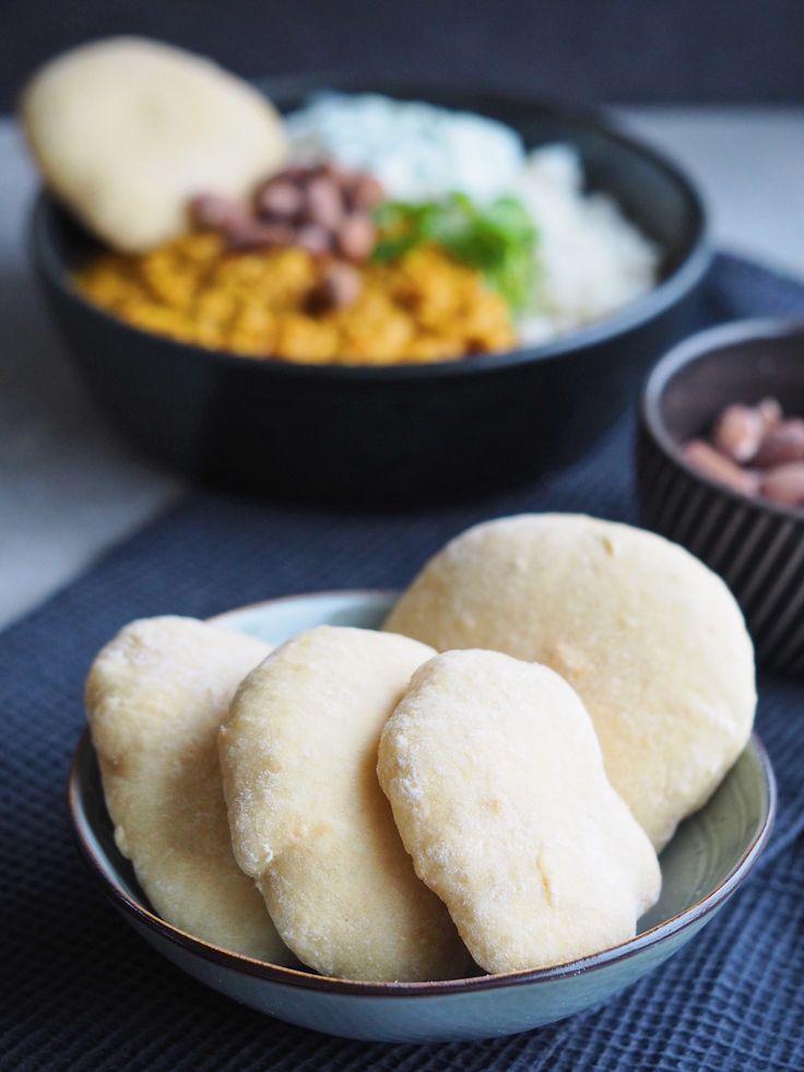 Lækre og svampede, koldhævede kuvertbrød - perfekt tilbehør til supper, gryderetter og som pitabrød