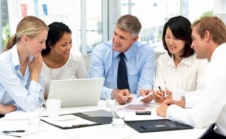 Kerjasama di lingkungan kerja akan lebih solid jika hubungan baik antar karyawan di kantor tetap terjaga.  #rekankerja #kantor