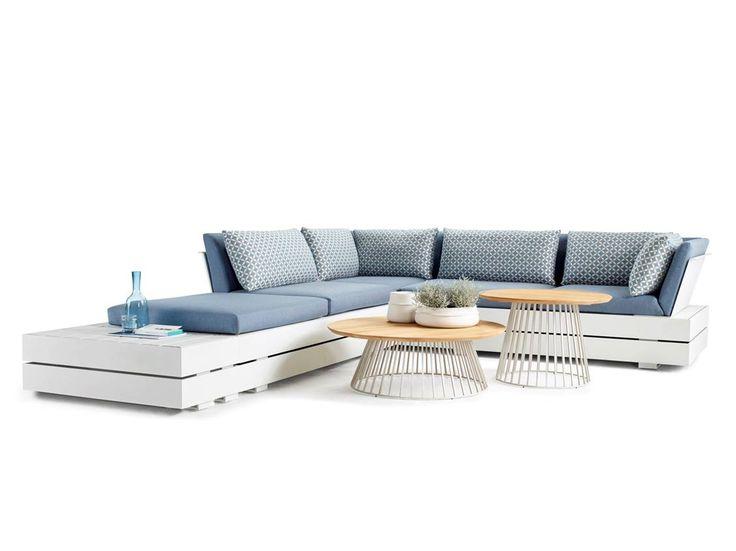 solpuri | BOXX Lounge | Material: aluminium, Teak, HPL and weatherproof fabric #solpuri #boxx #outdoorfurniture #gartenmöbel #stylish #inspiration #homedecor #modular #ostsee #lounge #summer2018 #white