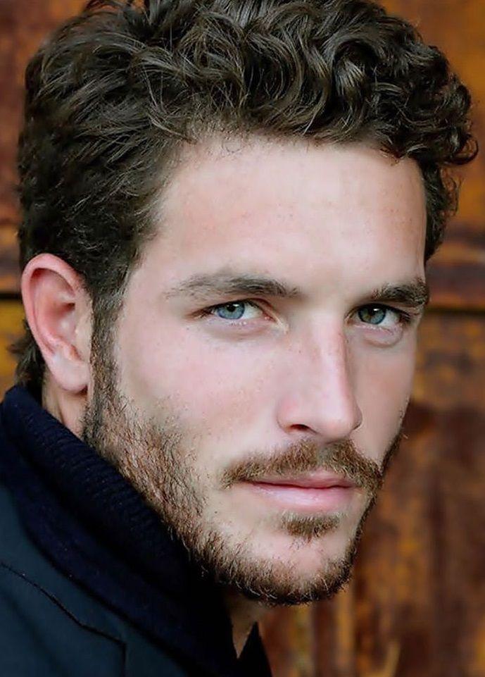 Dunkle haare augen männer blaue Augenfarbe: Überraschende