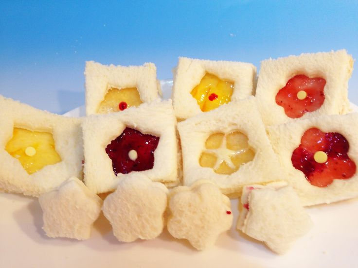 お弁当に嬉しい♪簡単!!崩れないお花畑サンドイッチの作り方☆