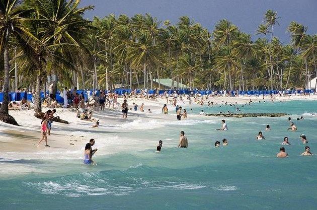 5. San Andrés (Colombia) Esta pequeña isla perteneciente a Colombia se ha convertido en los últimos en uno de los destinos preferidos por quienes buscan el sol y el mar del Caribe. Una de las actividades preferidas de los turistas es el snorkeling. Foto por Roberto San Andrés/Wikimedia.Commons