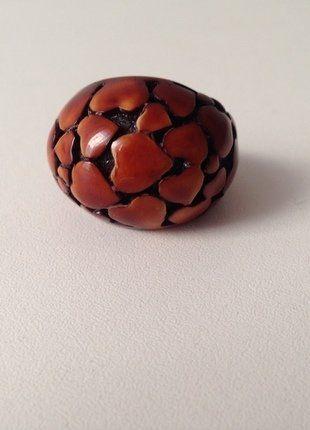 Kupuj mé předměty na #vinted http://www.vinted.cz/doplnky/prsteny/14978710-zajimavy-hnedy-boho-prsten-s-reliefem