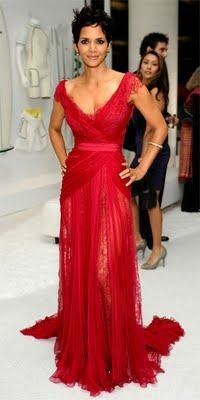 Halle Berry in Elie Saab   [I was speechless... one more time]