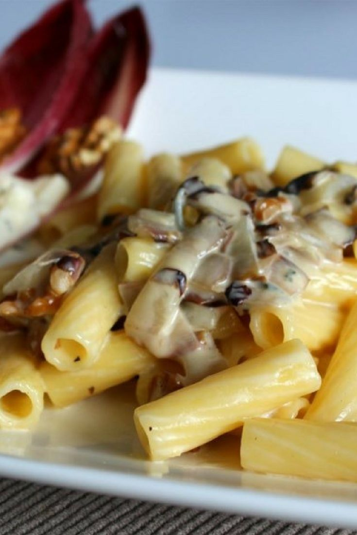 """Pasta with Gorgonzola Sauce and Radicchio 