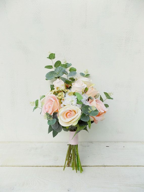 6 Terrific Wedding Bouquet Ideas That Will Save You Money And Not Compromise Your Wedding Style