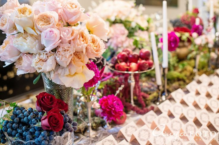 Beautiful table setting for the place card table | Aramat Events // Images by AnyaFoto Photography // www.anyafoto.com