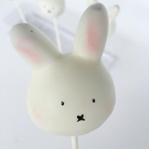 #Bunny #cake_pops by #studiocake