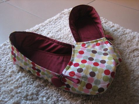 house slippers sew shoes slippers pinterest. Black Bedroom Furniture Sets. Home Design Ideas