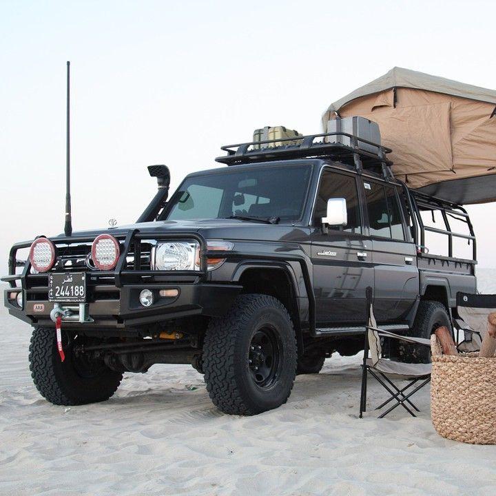 Land Cruiser HZJ camping