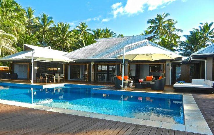 15 metre pool, swivel umbrellas