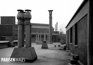 Les toits de l'Ecole normale supérieure, rue d'Ulm. Paris (Vème arr.), 1934.