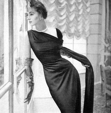 Schiaparelli, 1954. Beautiful Italian fashion to match your beautiful Italian jewelry from TreborStyle.com
