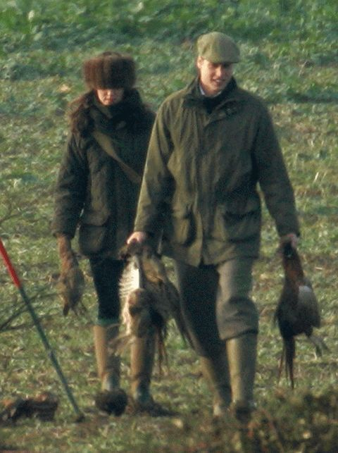 2007  Reuniting after their swift split, Kate and William made an effort to stay out of the spotlight, during a day of shooting in Windsor - a gift from the Queen. Wills was seen stroking Kate's neck and showering her in tiny kisses as they bagged themselves a pheasant, or three.