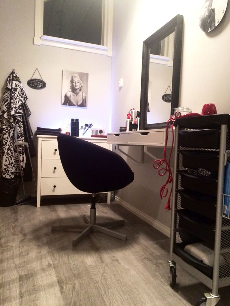 hair salon at home ikea hack make up corner pinterest ikea hack salons and salon ideas. Black Bedroom Furniture Sets. Home Design Ideas