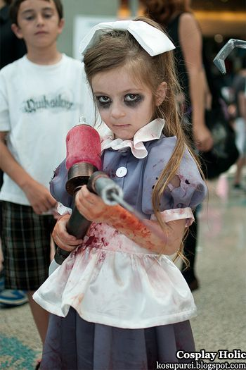 Bioshock: Little Sister. Elliot has already said this is what she wants to be for Halloween...lol :) | Child, girl cosplay, dig daddy #LittleSister, splicers #bioshock