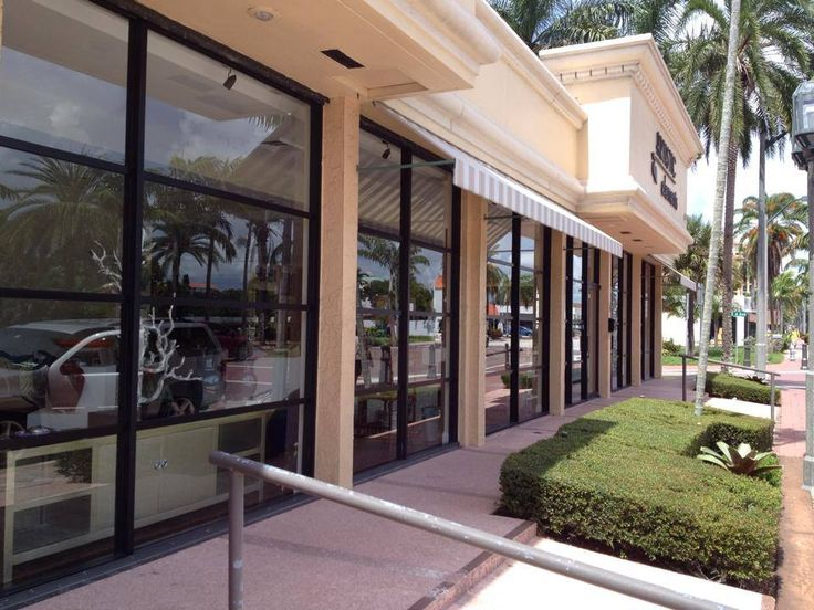 Art Gallery Retail Store / Professional Window Cleaning Services / www.cjeservices.com