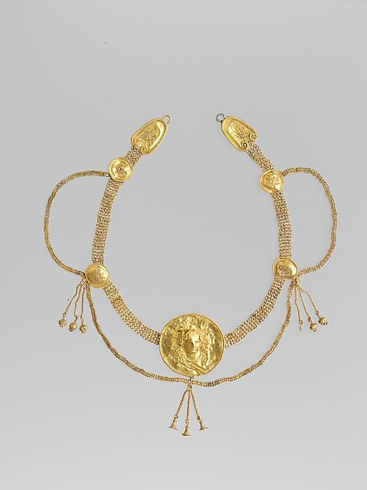 Gold necklace  Period: Early Hellenistic Date: late 4th–3rd century B.C. Culture: Greek, South Italian, Tarentine Medium: Gold