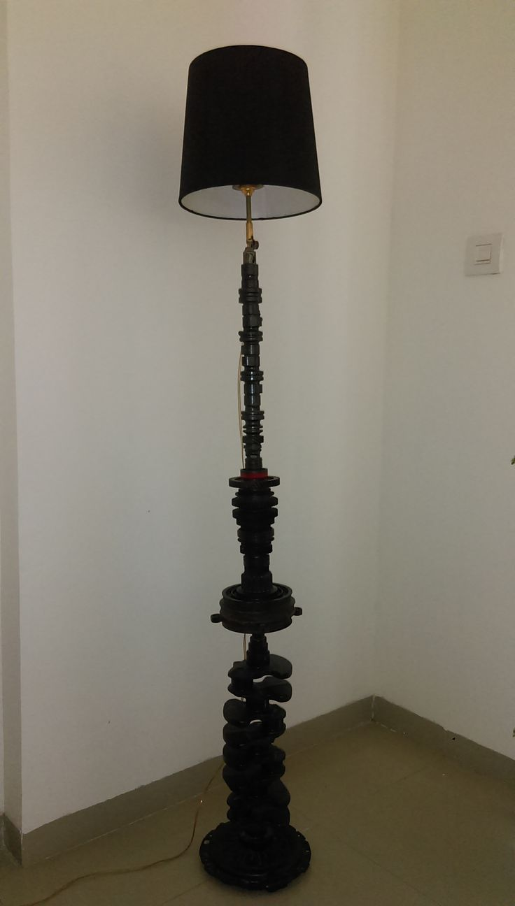 Lamp shade: Crank shaft, Gears and Cam shaft and Pressure plate