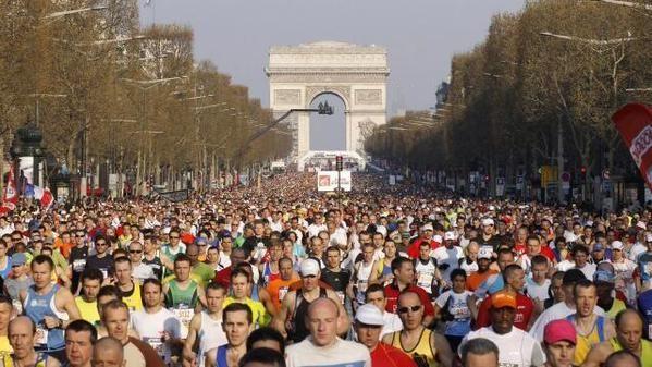 Marathon de Paris is happening now don't miss it and let's RUN! #ParisMarathon #lifeison #SchneiderLAM