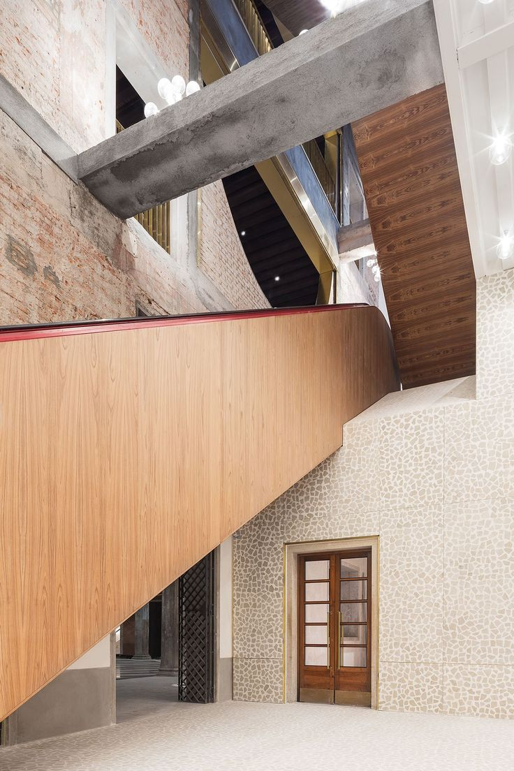 58 Best Bureaux Images On Pinterest Bureaus Woodworking And Ad Home Staircase Light Installation By Pslab Yatzer The Fondaco Dei Tedeschi In Venice Oma Architect Silvia Sandor Talks To