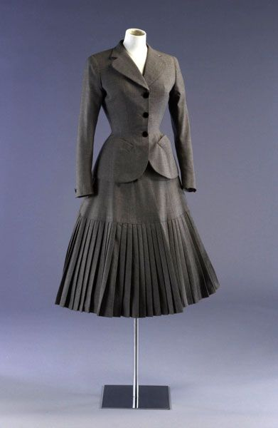 Woman's suit  Material(s): wool  Technique(s): woven  Creation date: 1948  Creation place London