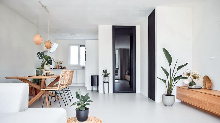 Zwart glazen deur in 'steel look' uitvoering via Muller Wonen te Goirle, by ANYWAYdoors.