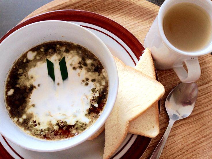 Hujan2 endeus banget makan Bubur kacang hijau dan wedhang jahe