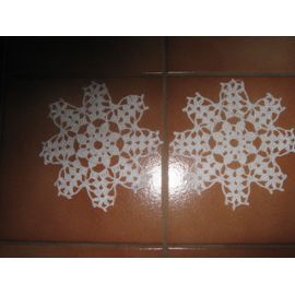 Lot Napperon Crochet - Ref 0782 - 3,00 Euros - Blanc - Diamètre 15