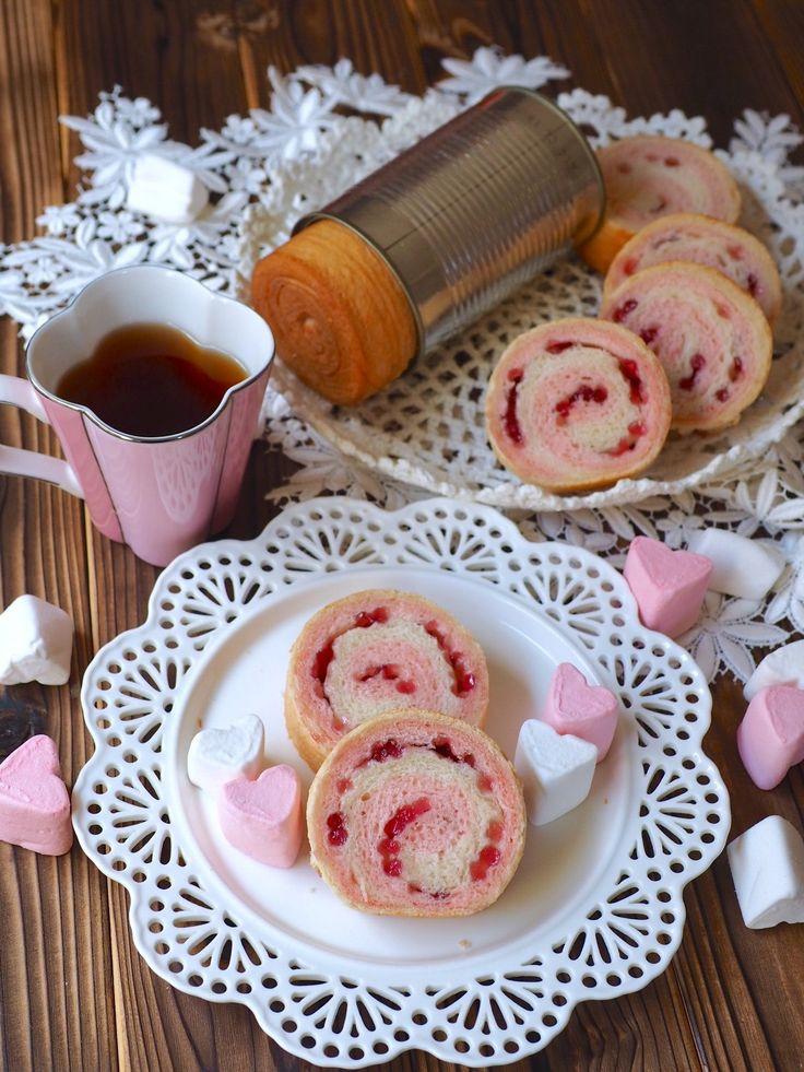 渦巻き模様が可愛いピンクのラウンドパン。 ラウンド型がなくても、空き缶を使えば、ミニサイズのラウンドパンになります。