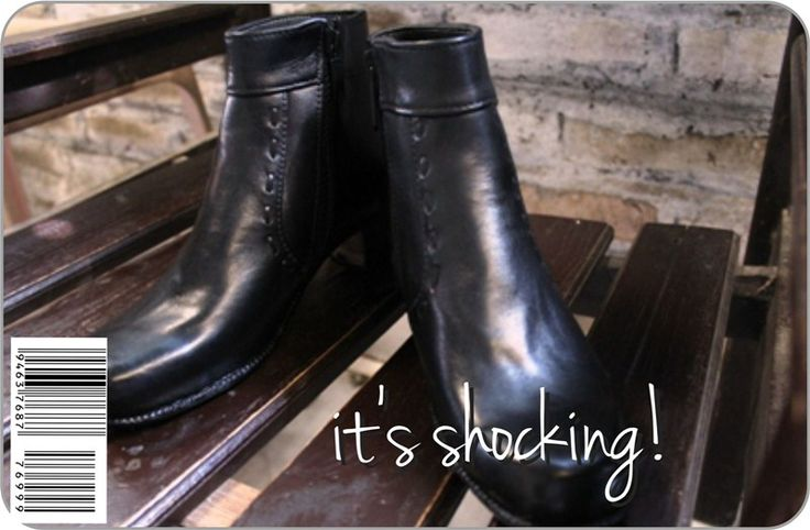 Low #boots, black or chocolate ready, #handmade #leather include sole